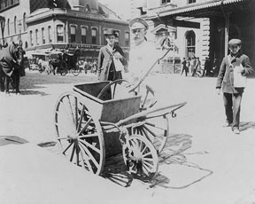 Street sweeper and pushcart 1896