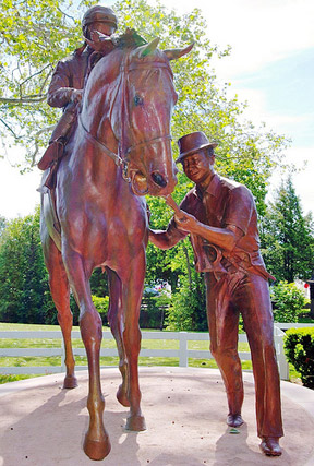 Statue of Eddie Sweat with Ron Turcotte and Secretariat
