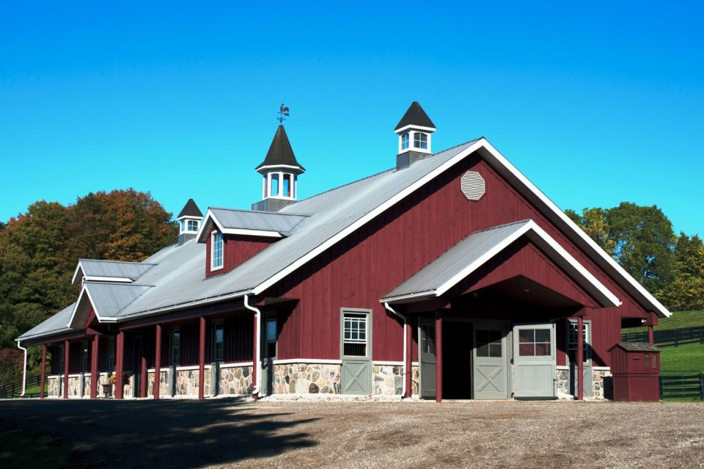 Horse barn builder stable arena property design barrie for Barn builders ontario